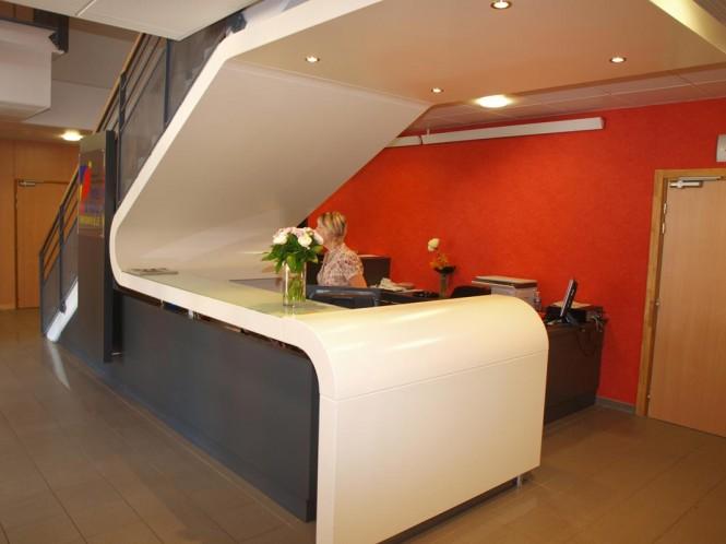 red finir l approche du bureau agencement sieste et. Black Bedroom Furniture Sets. Home Design Ideas