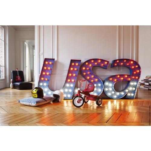 composez avec les n ons et lettres lumineuses la lumi re est entre vos mains blog meuble. Black Bedroom Furniture Sets. Home Design Ideas