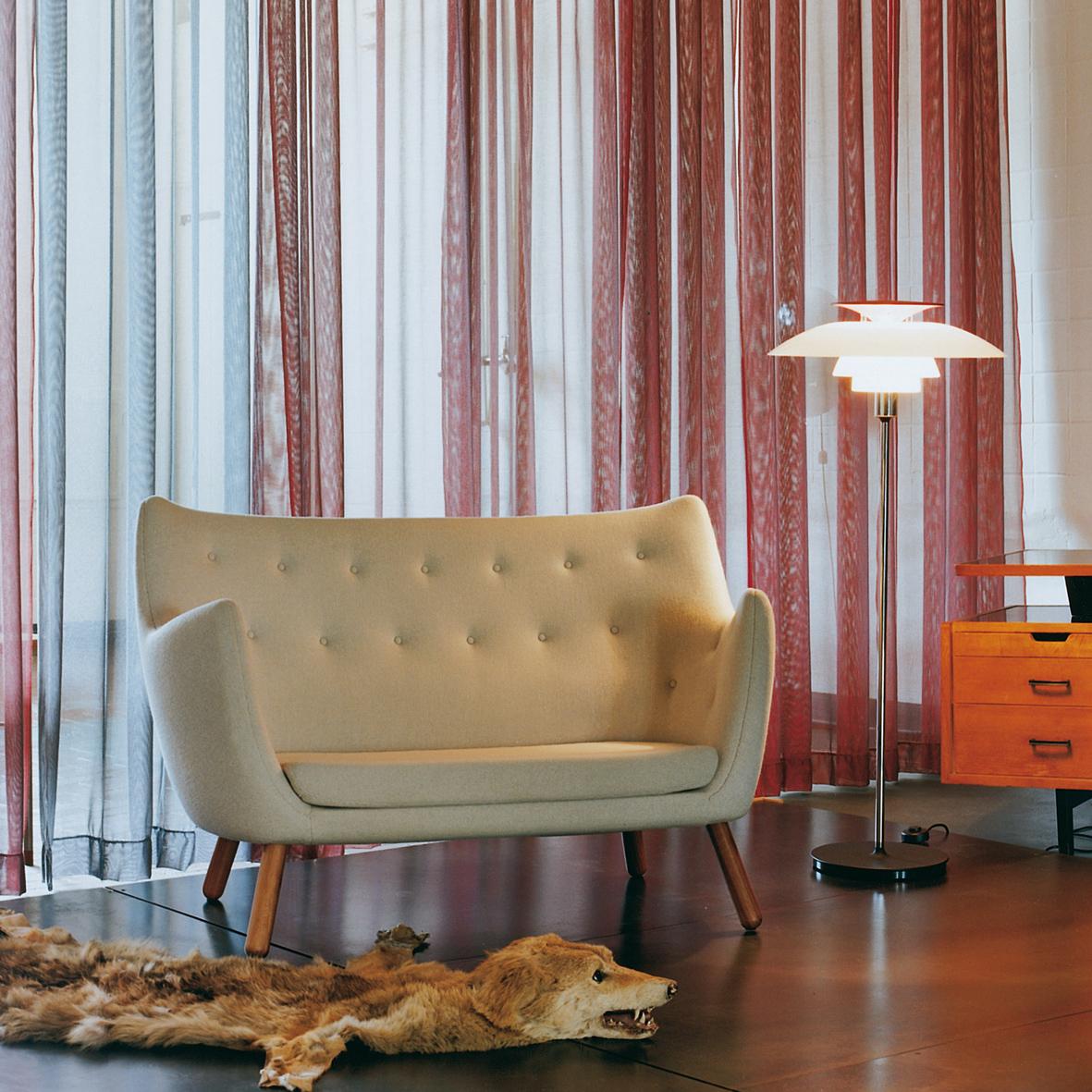 Focus dans votre salon petite s lection de canap s for Reedition meuble design